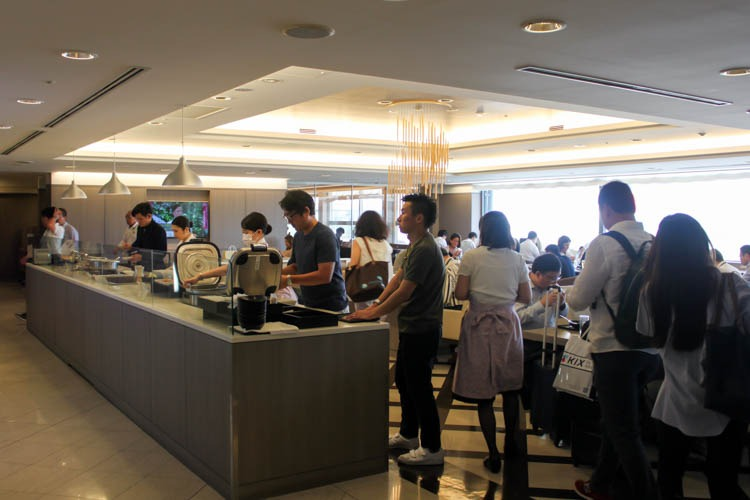 International JAL Sakura Lounge Kansai Airport Dining