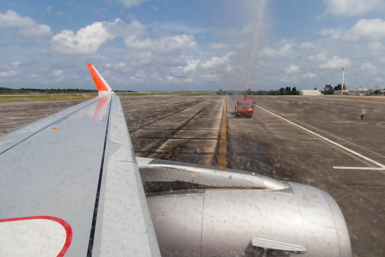 Jetstar A320 Receives a Water Salute at Shimojishima Airport