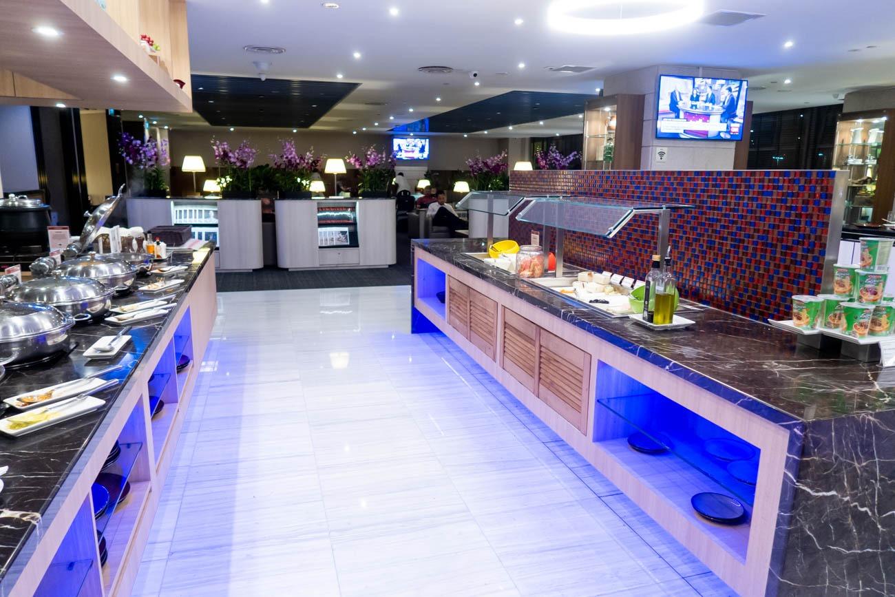 SATS Premier Lounge Singapore Terminal 2 Buffet
