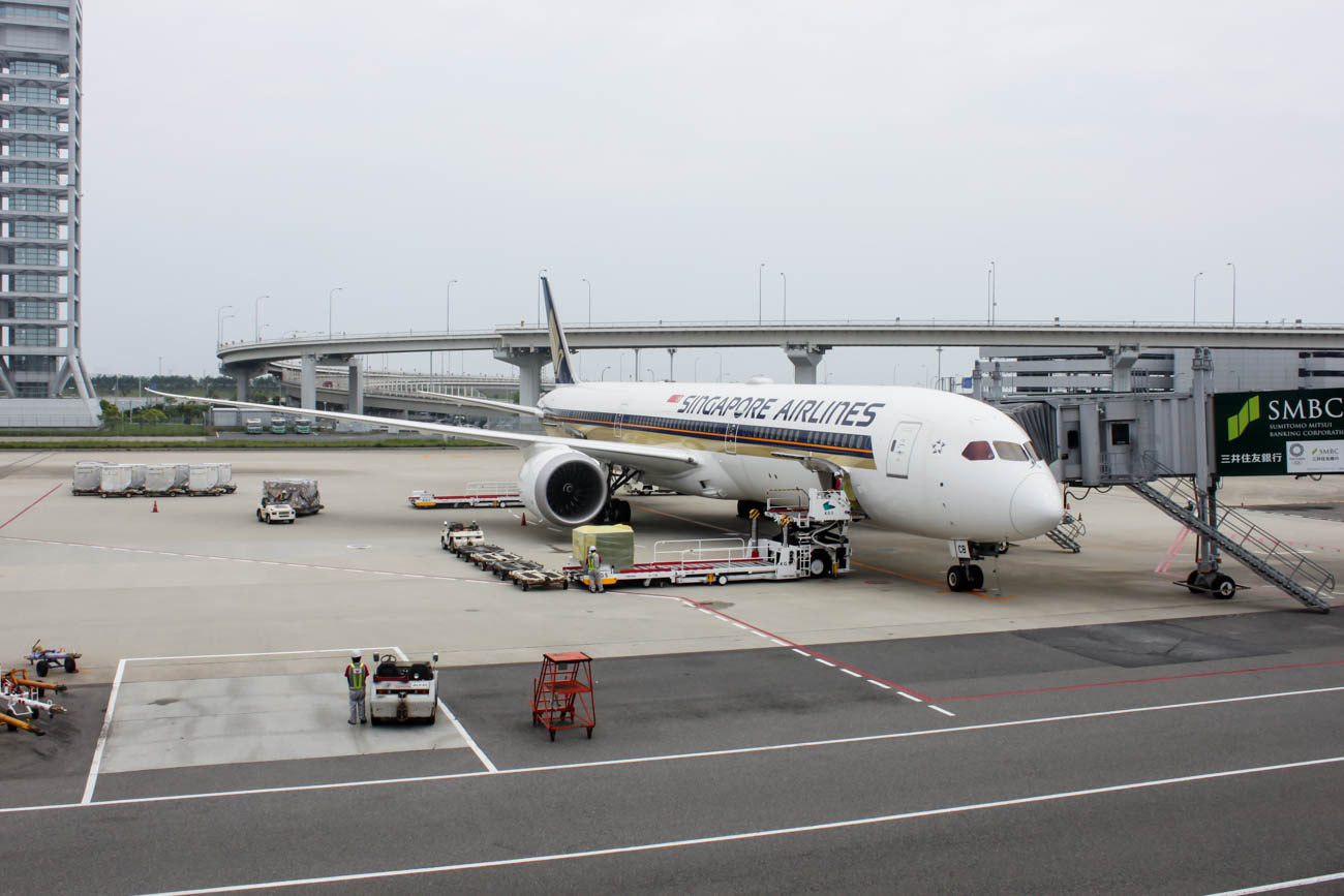 Singapore Airlines Boeing 787-10 at Kansai Airport