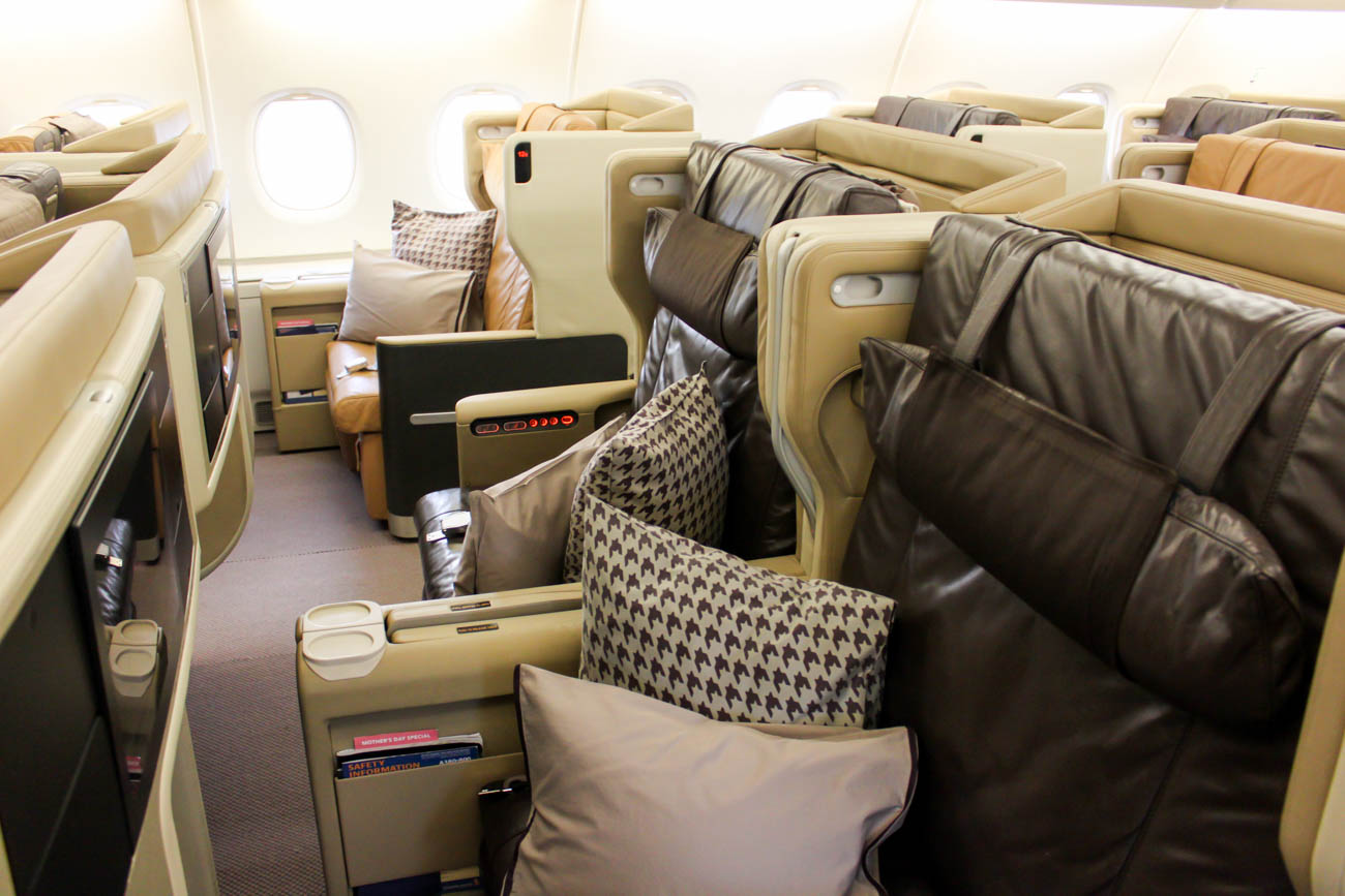 Singapore Airlines Airbus A380-800 Old Business Class Cabin