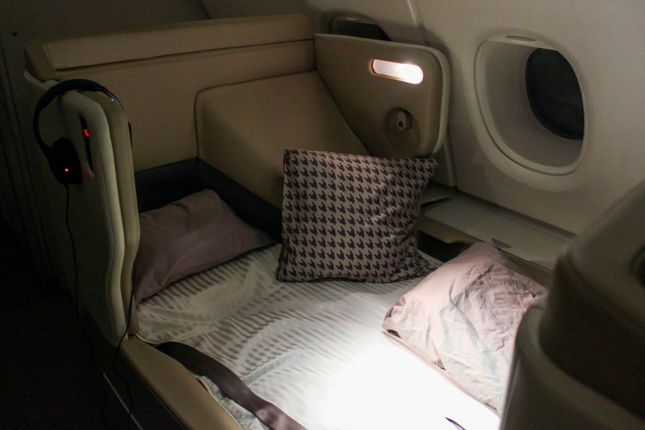 Singapore Airlines Airbus A380 Old Business Class Bed
