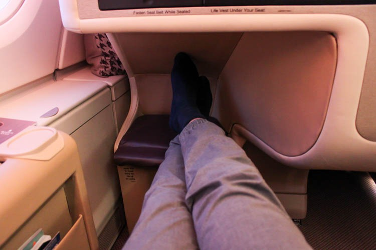 Singapore Airlines Airbus A380-800 Old Business Class Legrom