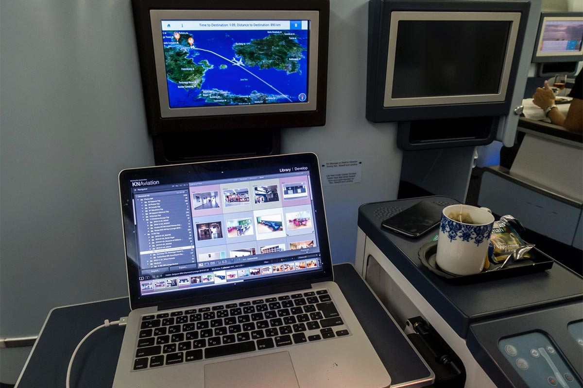 5 Tips to Get Some Work Done and Stay Productive on a Plane