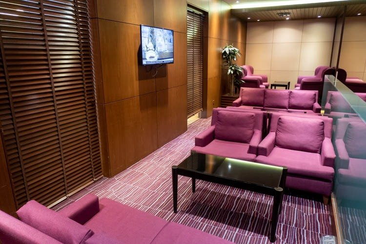 Television in the Thai Airways Royal Orchid Lounge at Singapore