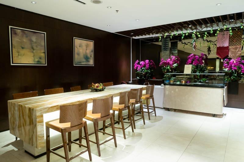 Communal Table in SilverKris Lounge SIN T2