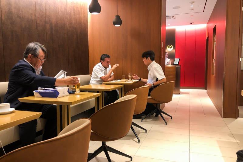 JAL Sakura Lounge Okayama Seating