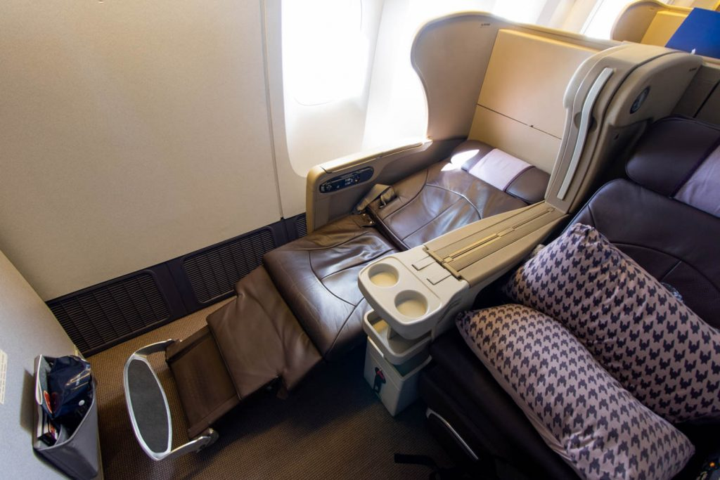 Singapore Airlines Angle-Flat Seat 777-200ER