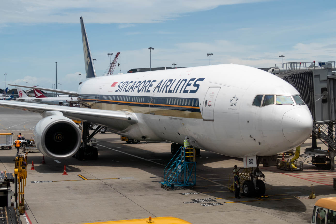 Singapore Airlines Boeing 777-200ER at Hong Kong Airport