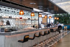Qantas Lounge Hong Kong Bar