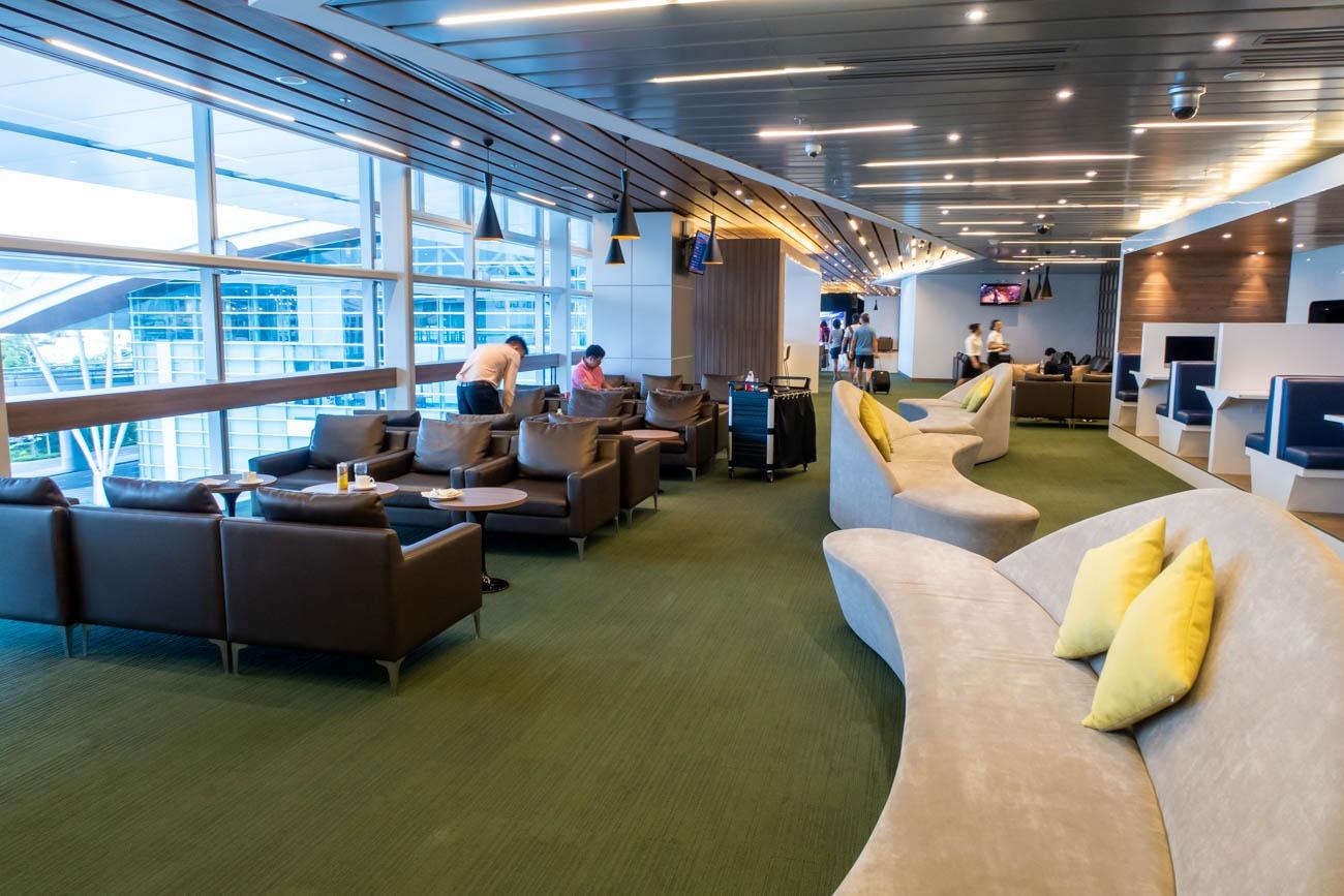CIP Orchid Lounge Da Nang Sofas
