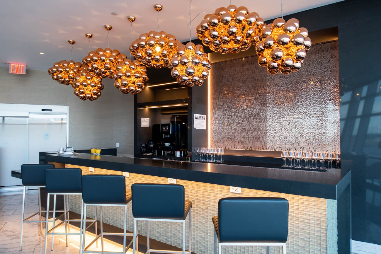American Airlines Flagship First Dining at JFK Bar