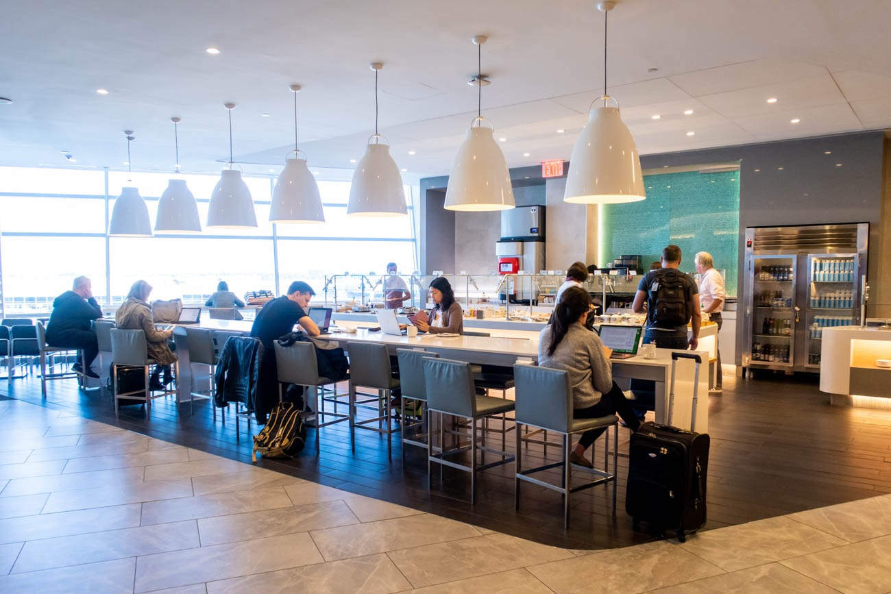 Dining in American Airlines Flagship Lounge at JFK