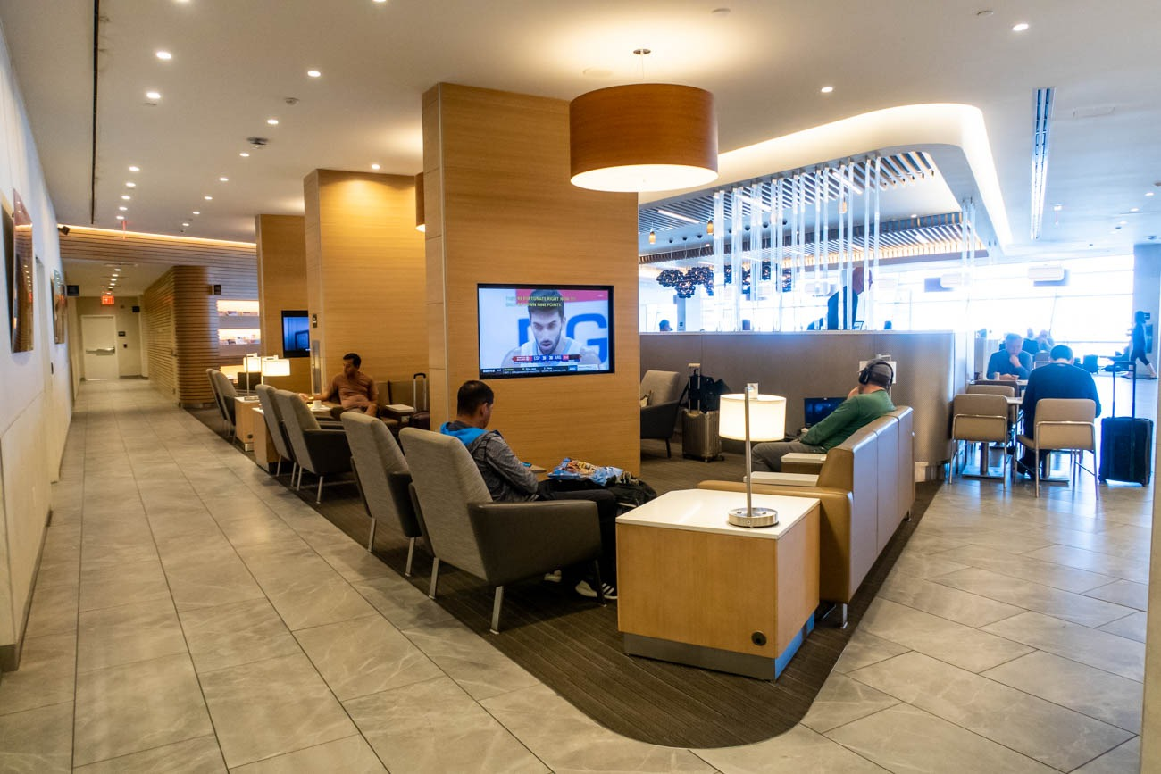 Entertainment in American Airlines Flagship Lounge at JFK