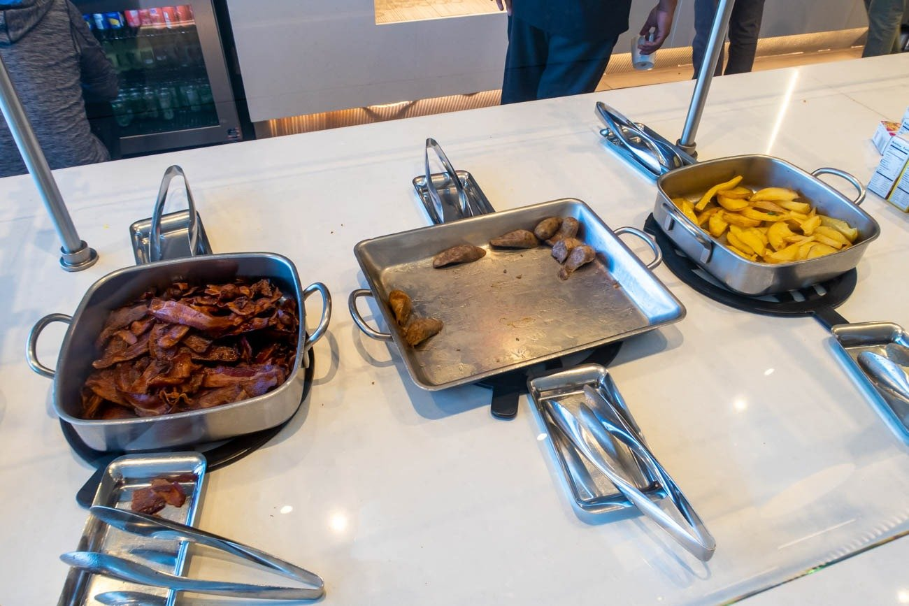 Breakfast in American Airlines Flagship Lounge at JFK