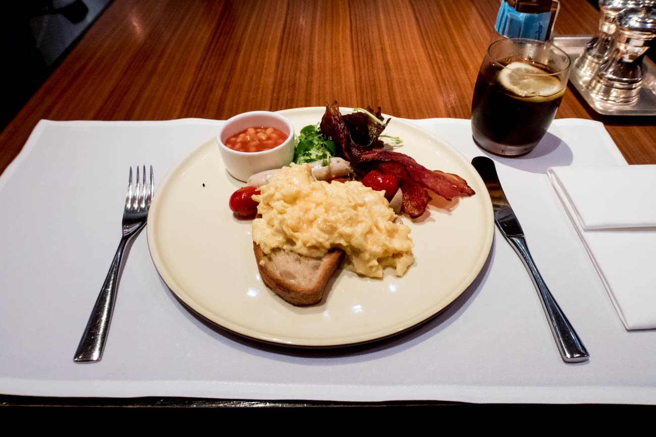 Cathay Pacific The Wing First Restaurant Breakfast