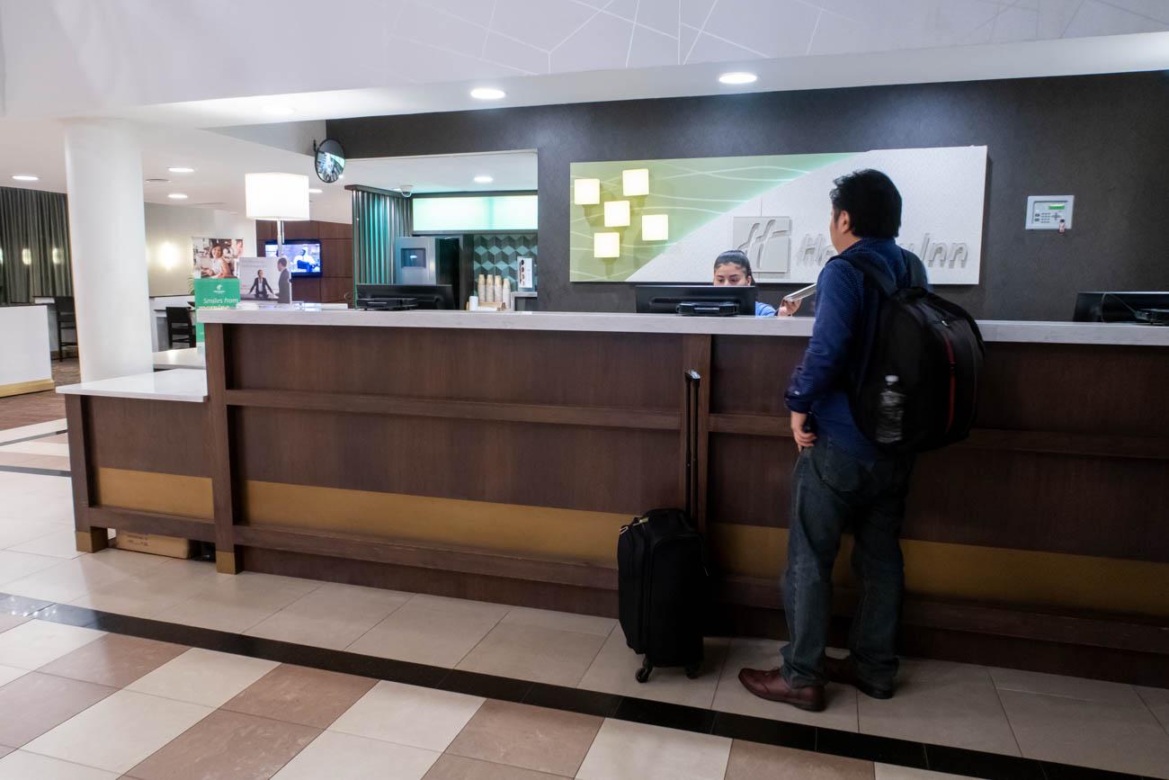 Holiday Inn Washington - Dulles Airport Shuttle Reception