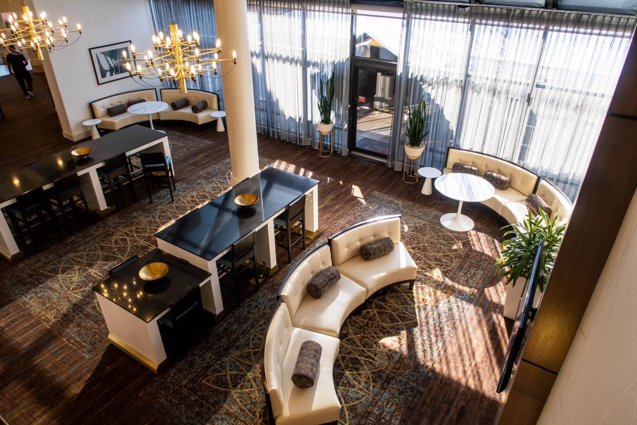 Holiday Inn Washington - Dulles Airport Lobby