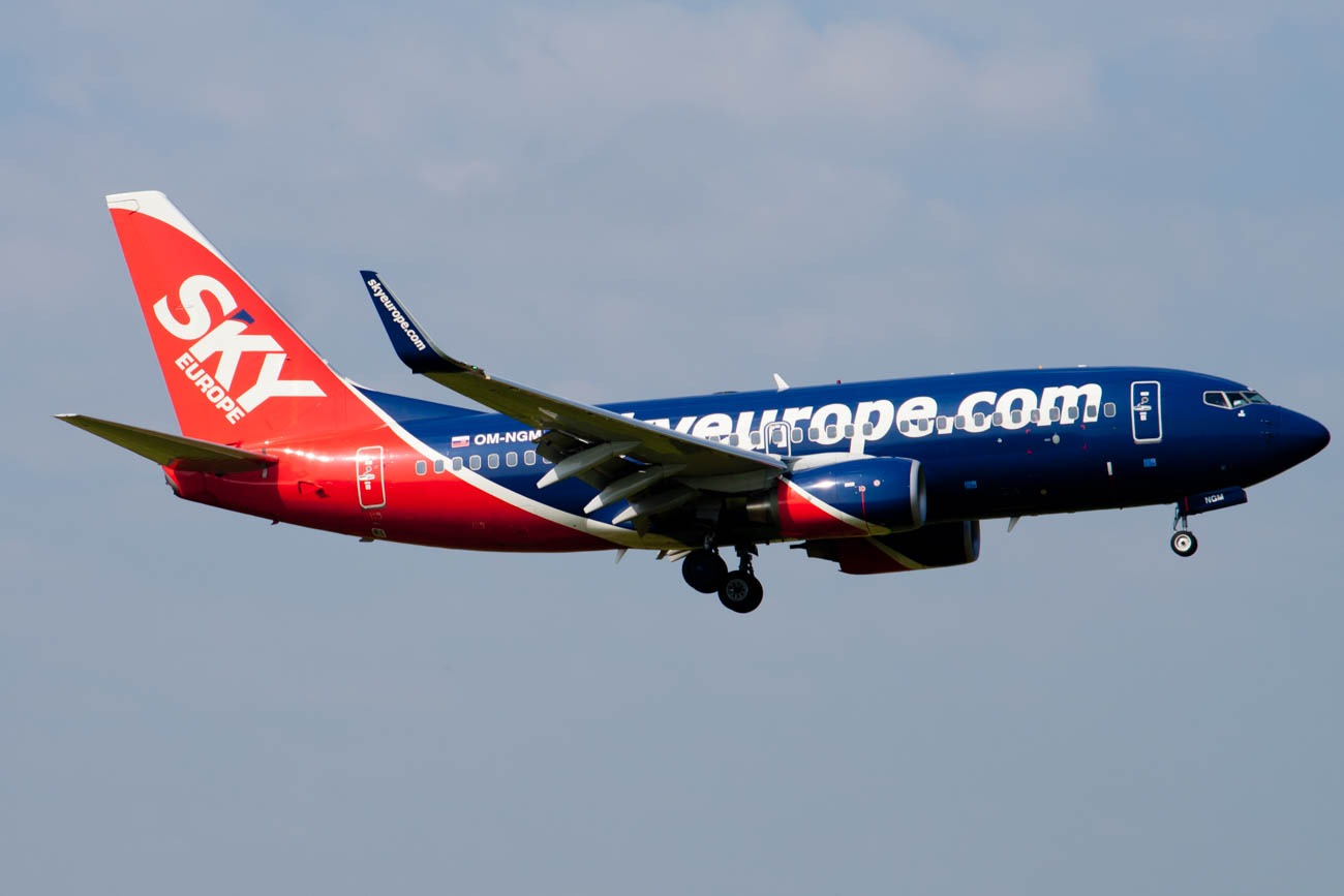 SkyEurope Boeing 737-700