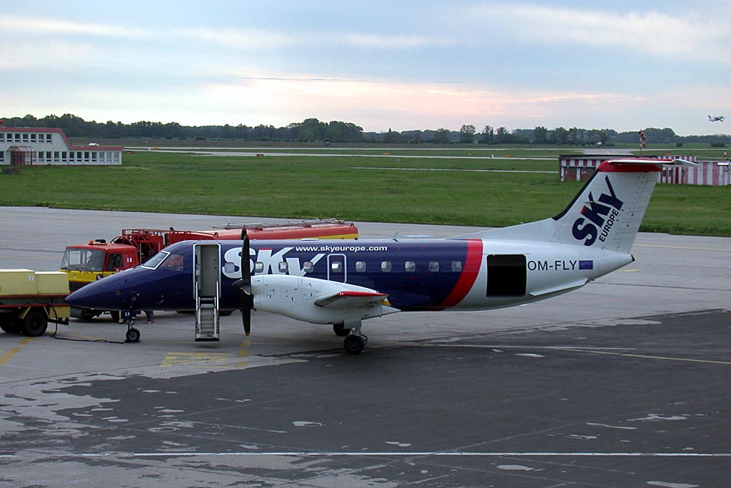 SkyEurope Airlines Embraer EMB-120