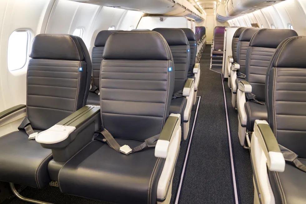 United CRJ-550 Cabin