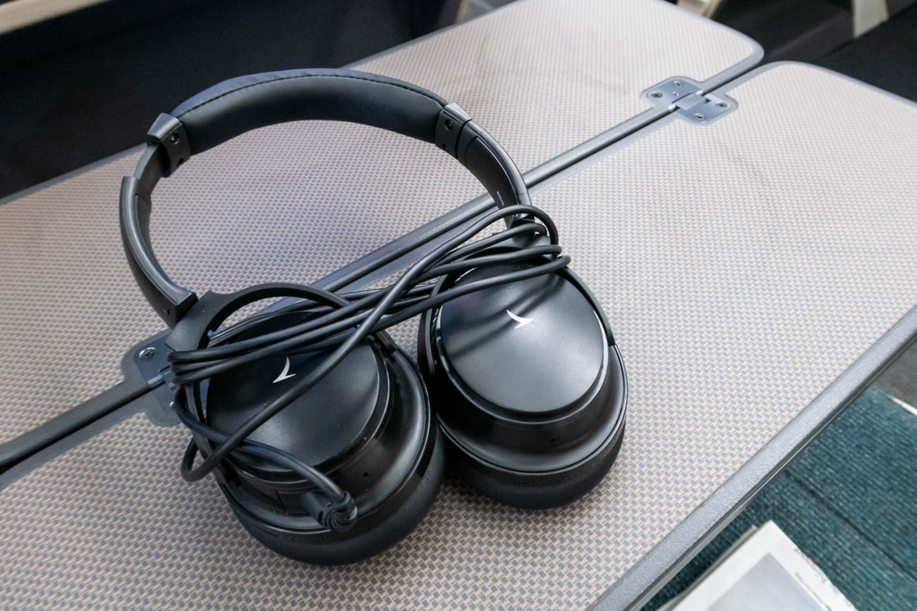 Cathay Dragon A321 Business Class Headphones