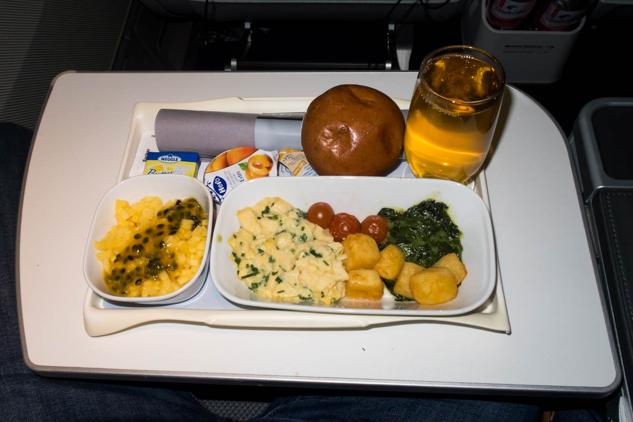 Breakfast in Lufthansa Premium Economy