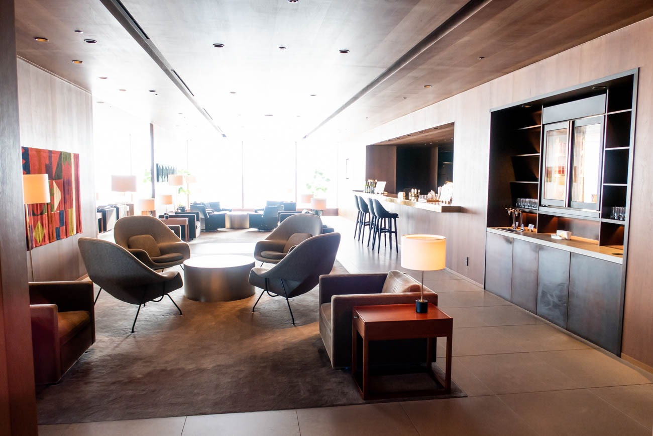 Cathay Pacific Lounge Tokyo Haneda Bar