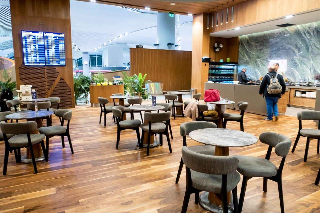 IGA Lounge Istanbul Dining Area