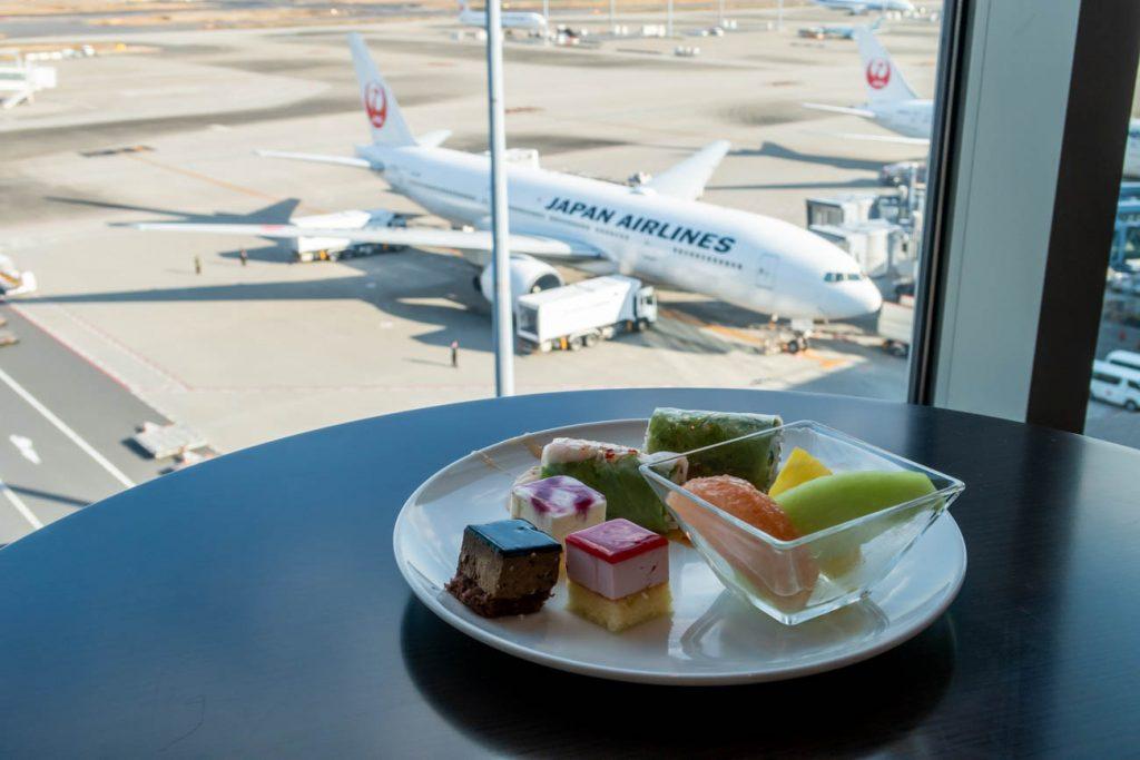 Review: JAL Sakura Lounge Skyview at Tokyo Haneda Airport