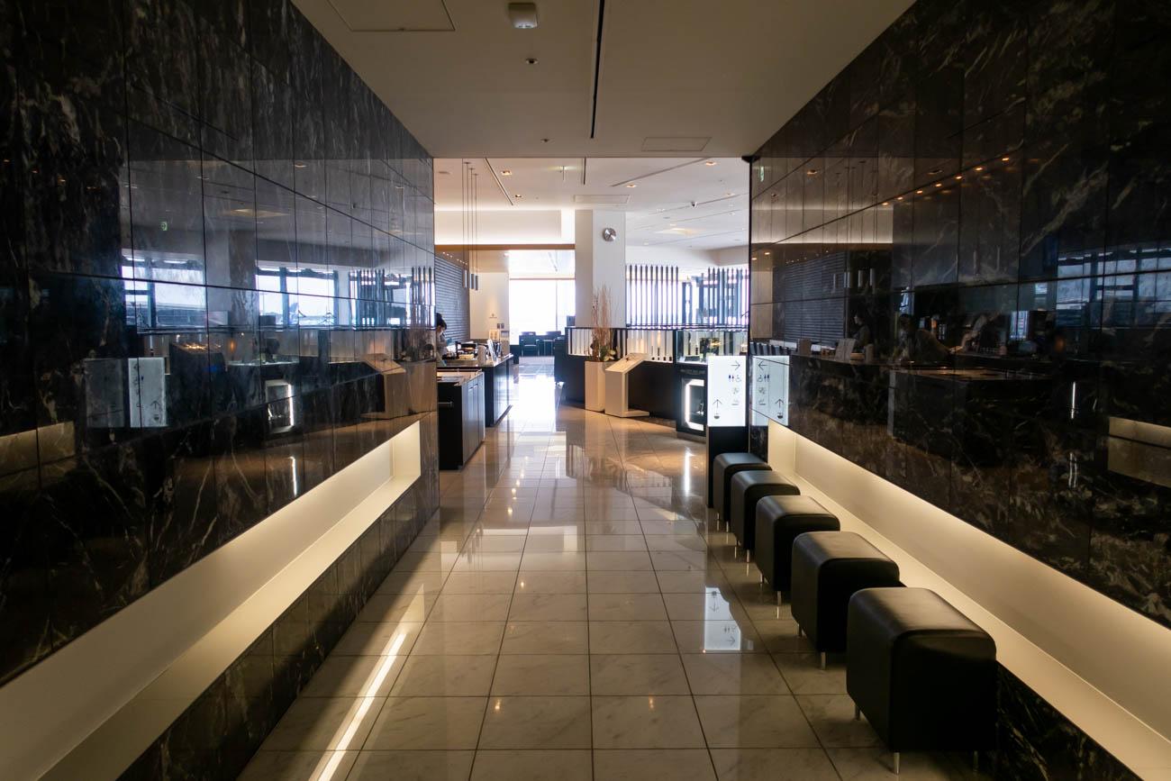 ANA Suite Lounge Hallway