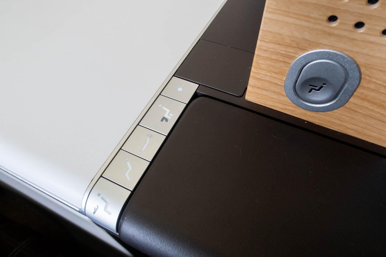 Swiss 777-300ER Business Class Seat Controls